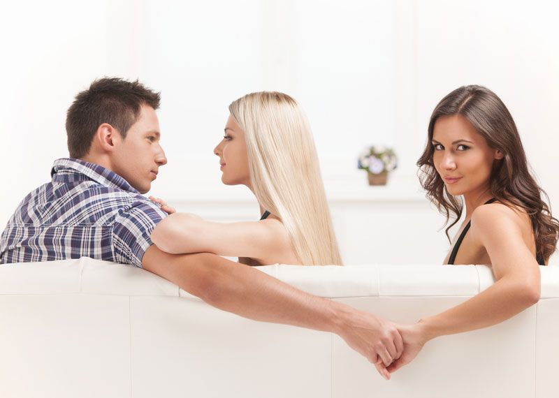 How extramarital affairs start
